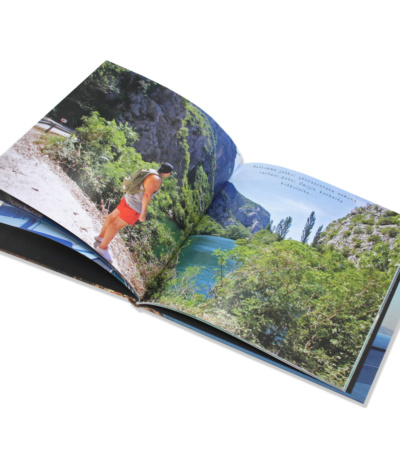 koko sivun kokoinen kuva normaalissa kuvakirjassa